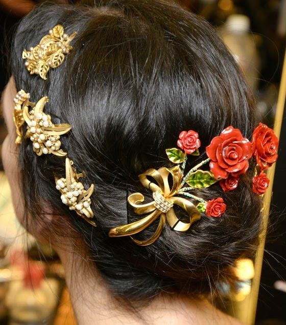 dolcegabbana-fall-winter-2015-2016-jewelled-brooches-and-headbands-12
