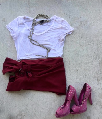 burgundy trousers white tshirt pink suede shoes