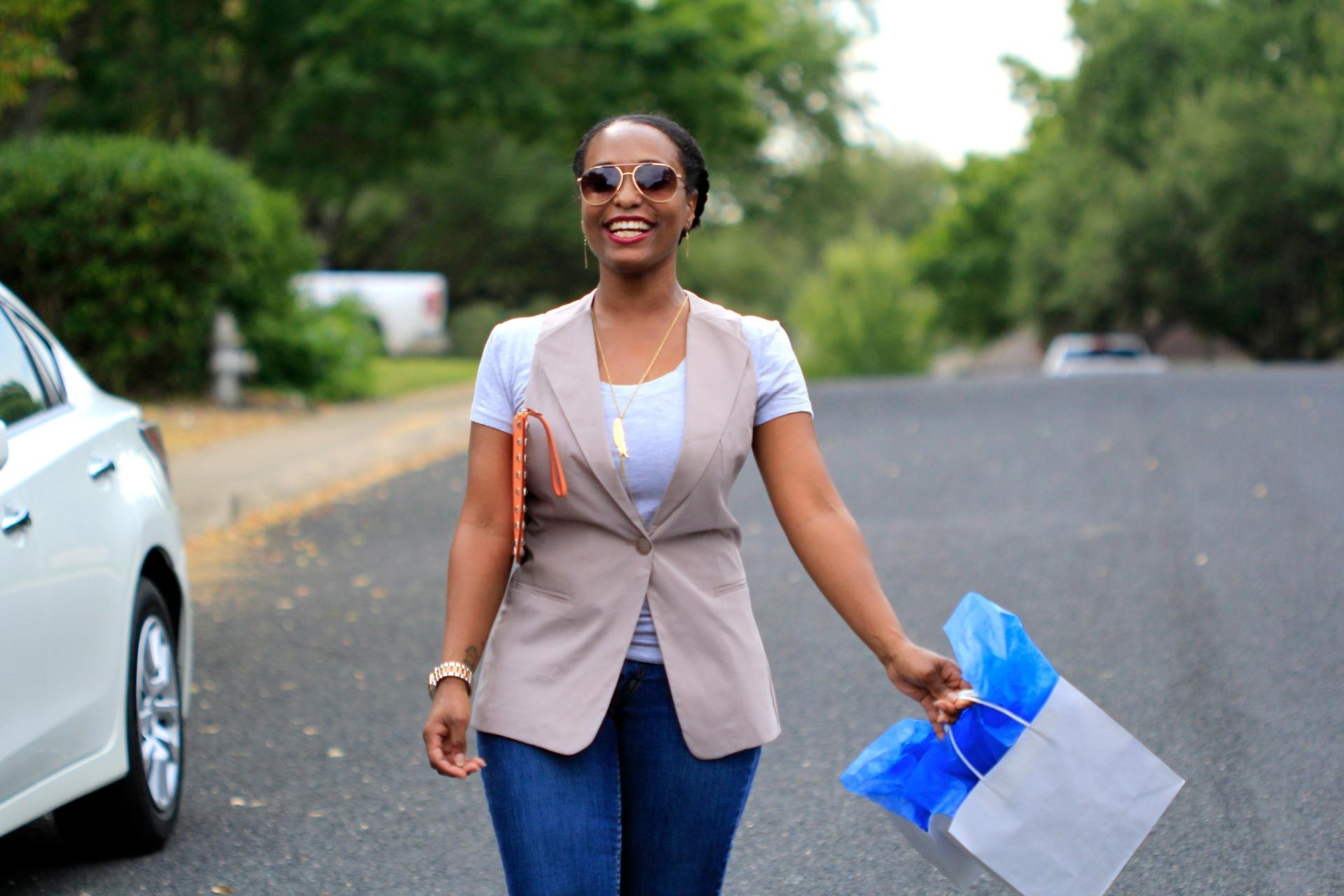 black women shopping