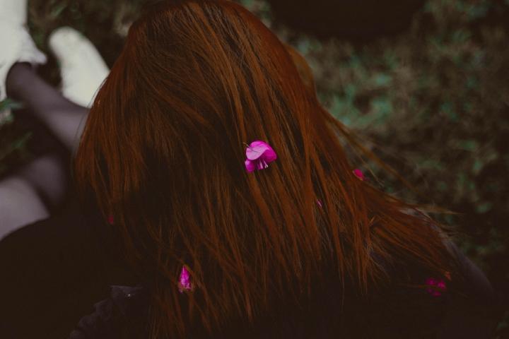 girlwithflowersinherhairallef-vinicius-172580