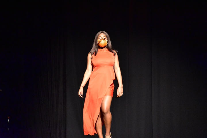 tangerine.skirtset.@shanshoots2
