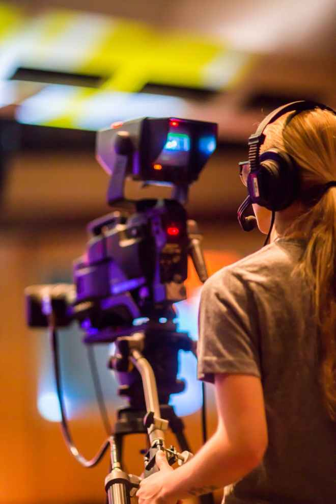 women recording
